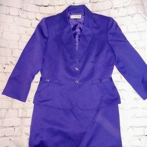 Tahari size 8 skirt suit set